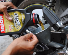 Thay dầu và lọc nhớt định kỳ cho xe là cách tốt nhất bảo vệ động cơ xe của bạn!